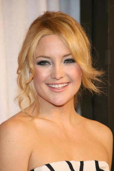kate hudson hair color. Her hair looks amazing.