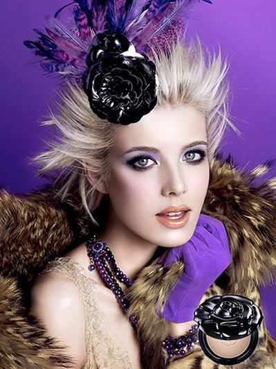 agyness-deyn-anna-sui-fall-winter-2009-2010-haircare-line000x0400x532