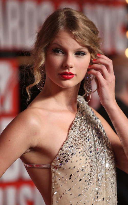 taylor-swift-vma-9139-8