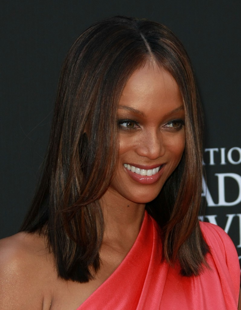tyra-banks-shoulder-length-hairstyle-daytime-emmy-awards-2009-797x1024
