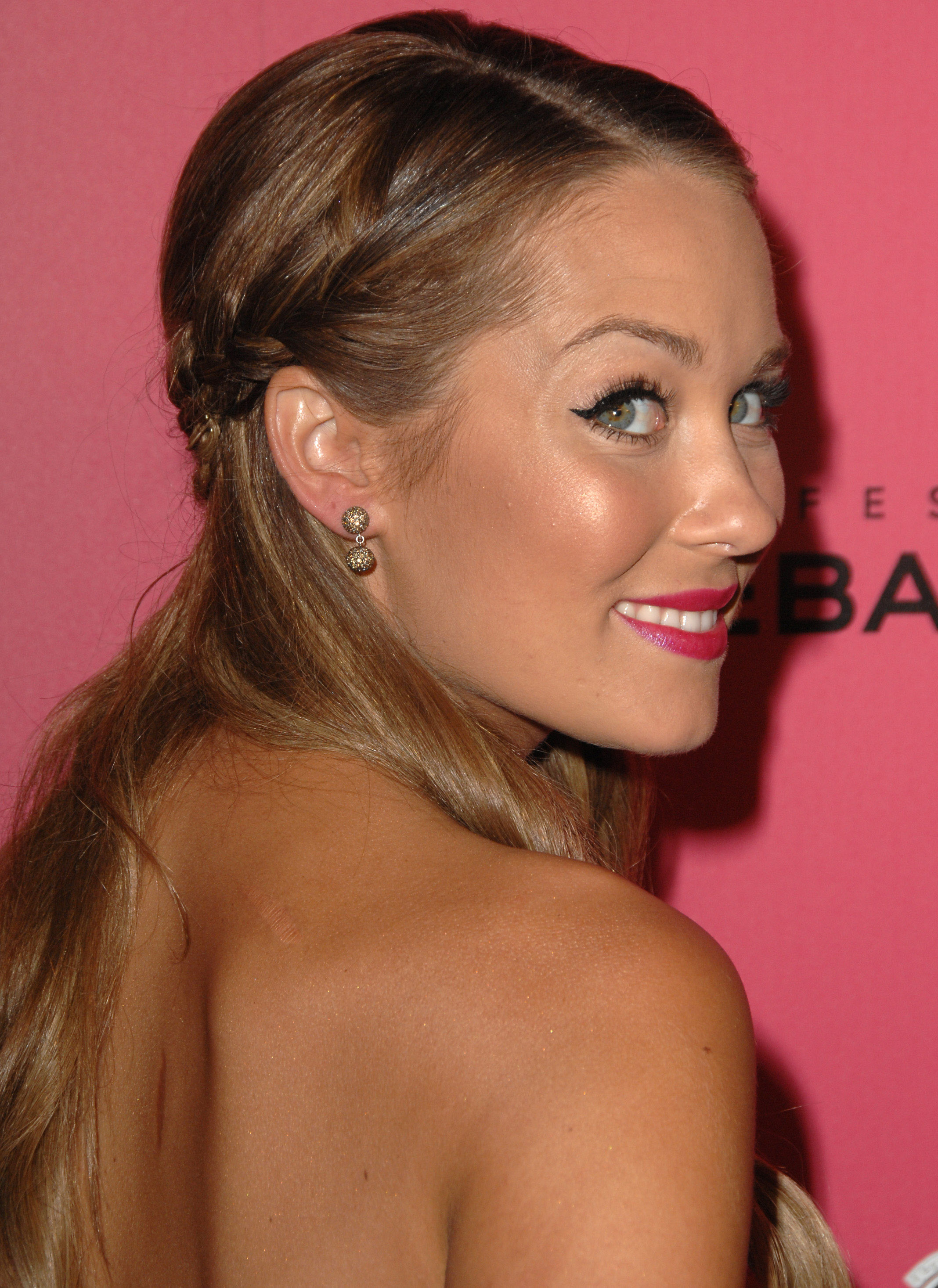 Lauren Conrad arrives at the 6th Annual Hollywood Style Awards at the Armand Hammer Museum on October 11, 2009 in Los Angeles, California.