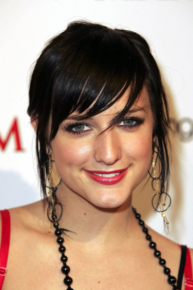 Ashlee-Simpson-pre-nose-job-dark-hair