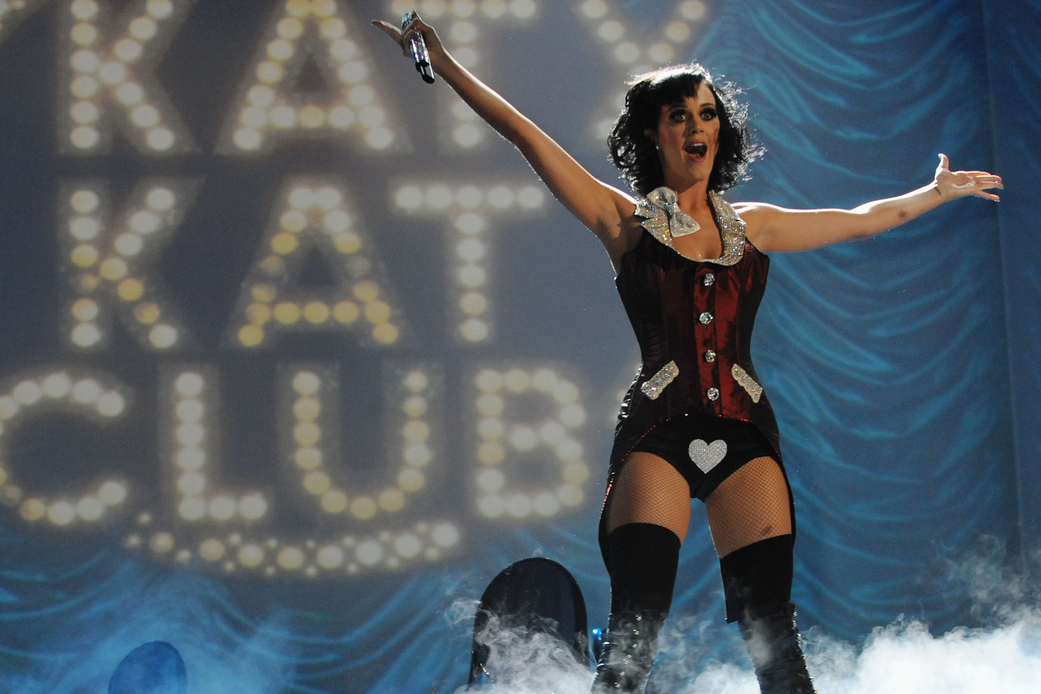 Katy-Perry-at-2009-MTV-Europe-Music-Awards
