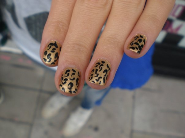 tiger-pattern-nails