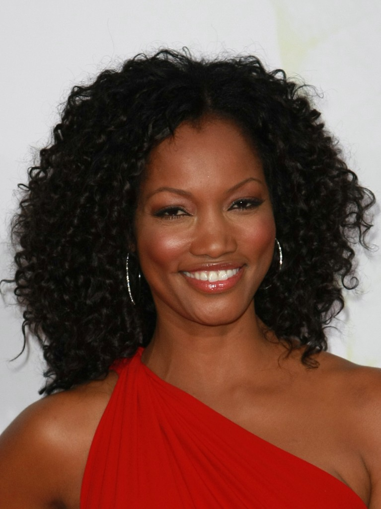 Hairstyles The curly hair of African-American girls, do well to look simple