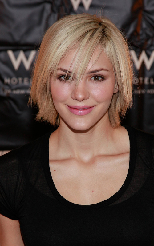 katharine-mcphee-blonde-hair-VH1-Save-the-Music-Big-Shopping-Holiday-Event