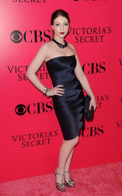 Michelle-Trachtenberg-Victoria's-Secret-Fashion-Show