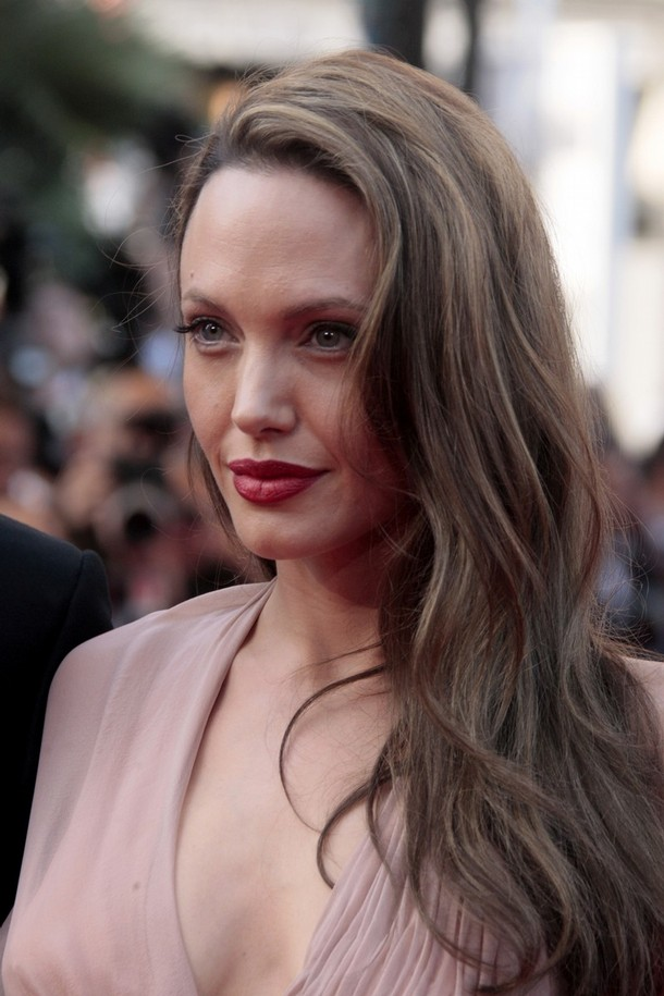 Angelina-Jolie-France-Film-Festival-Cannes-inglourious-basterds