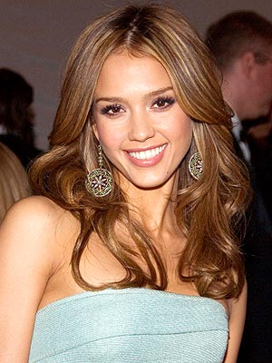 jessica alba hair up styles. Pump Up