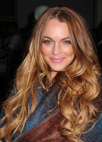 lindsay-lohan-long-golden-hairstyle