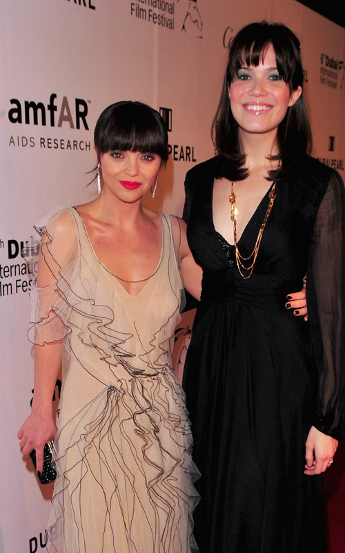 Mandy-Moore-Christina-Ricci-amfAR