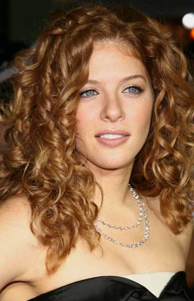 rachel-lefevre-long-spiral-curly-hairstyle