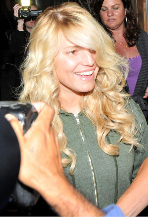 Jessica-Simpson-leaving-Ken-Paves