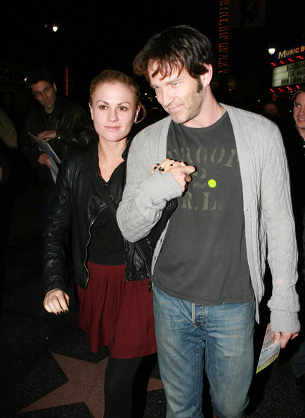 Anna-Paquin-Stephen-Moyer-Radiohead-Haiti-Benefit-Show