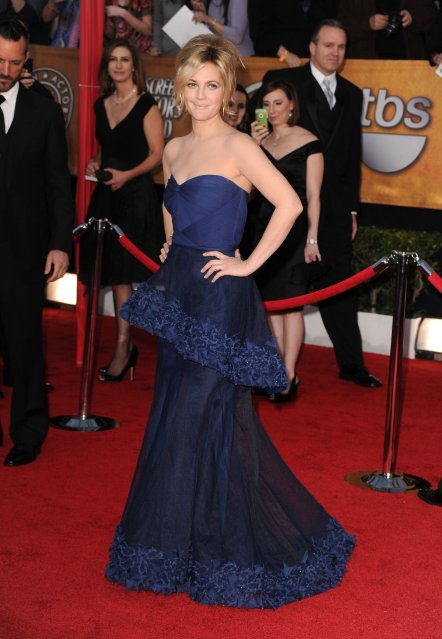 Drew-Barrymore-2010-SAG-Awards-updo