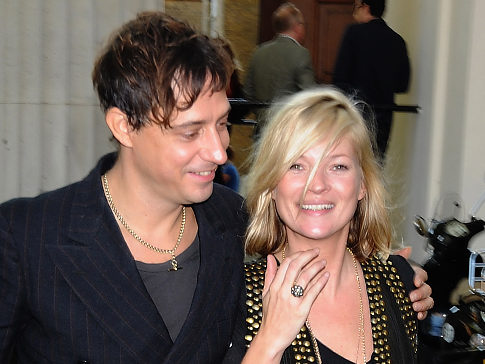 Kate-Moss-Jamie-Hince-engaged