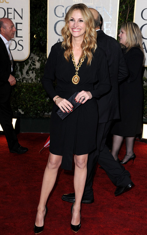 julia-roberts-curly-hair-2010-golden-globe-awards
