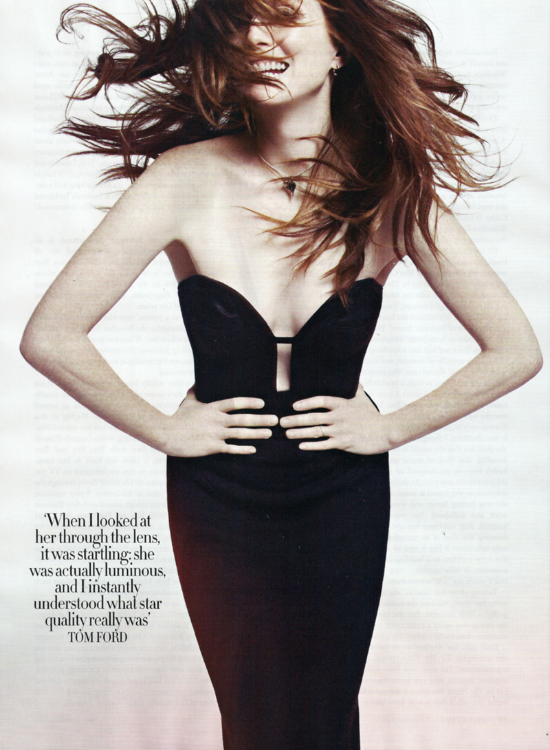 Julianne-Moore-2010-British-Harper's-Bazaar