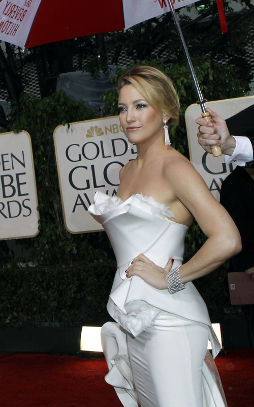kate-hudson-updo-2010-golden-globes