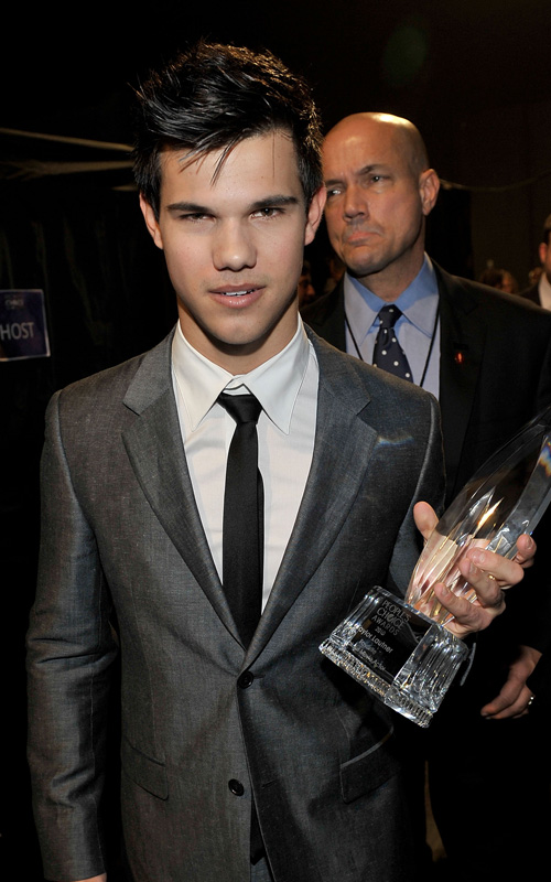 Taylor-Lautner-2010-People's-choice-awards