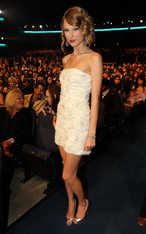 Taylor-Swift-2010-People's-Choice-Awards