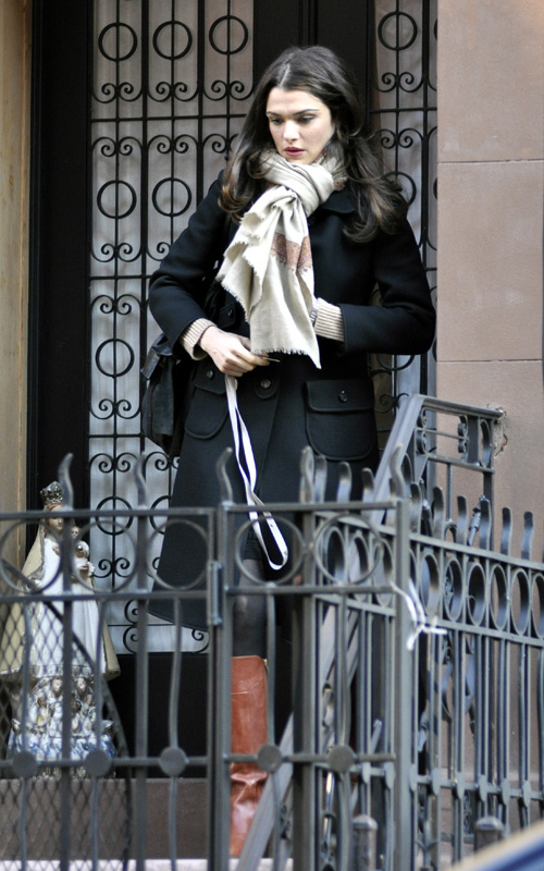 Rachel-Weisz-heading-to-the-view