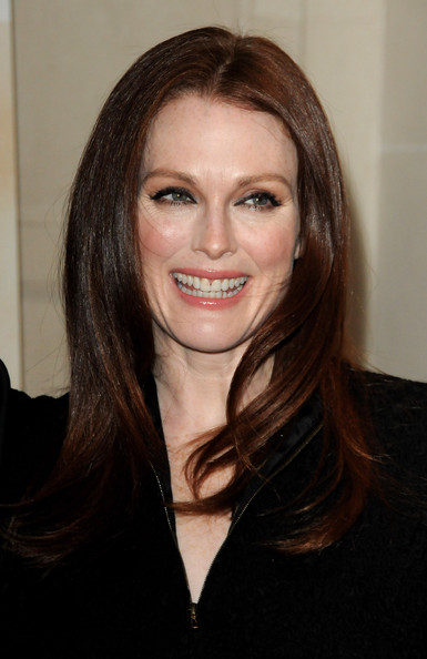 Julianne-Moore-Chloe-Hotel-George-V-paris