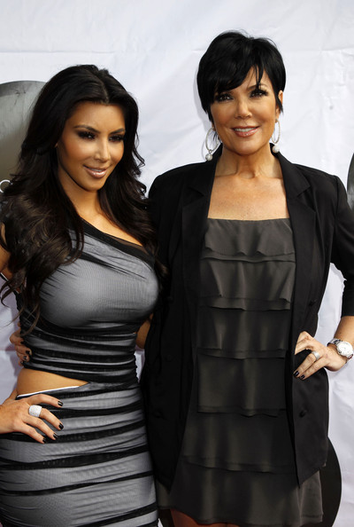 Kim-Kardashian-and-mom-promotes-launch-of-The-Kim-Kardashian-Vanilla-Cupcake-Mix-at-The-Famous-Cupcakes-store-in-Beverly-Hills