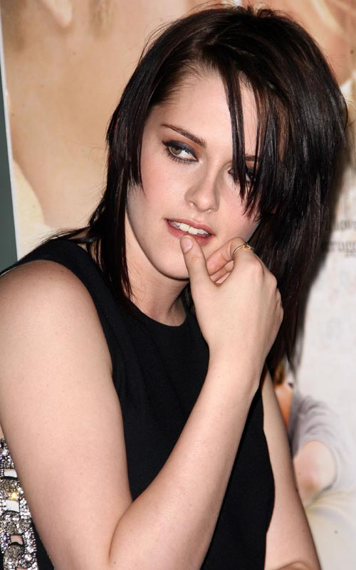 Kristen-Stewart-premiere-The-Yellow-Handkerchief