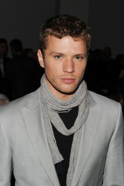 Ryan-Phillippe-Calvin-Klein-Mens-Collection-Fall-2010-Fashion-show