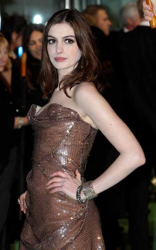 anne-hathaway-alice-in-wonderland-premiere