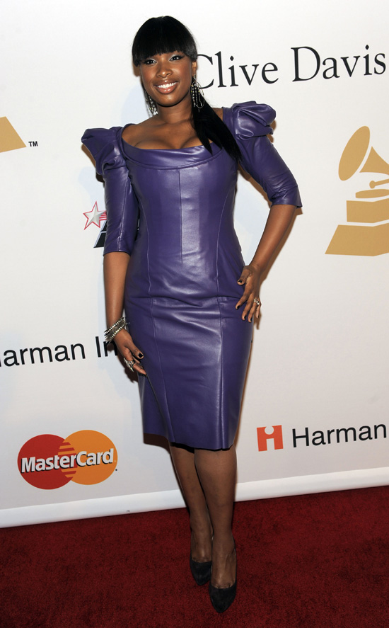 jennifer-hudson-blunt-bangs-2010-grammy-awards