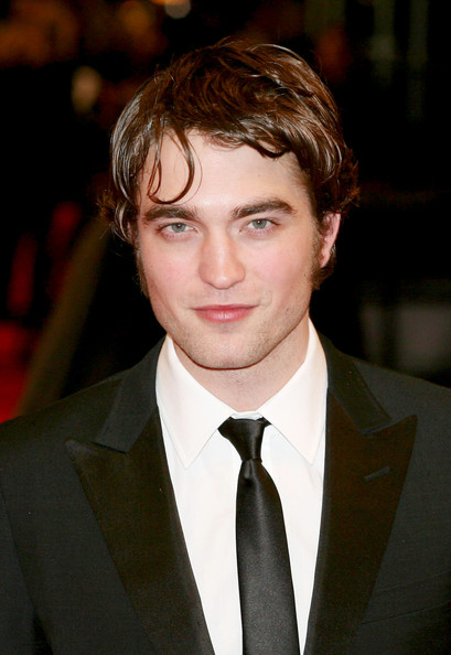 robert-pattinson-greasy-hair-2010-BAFTA-awards