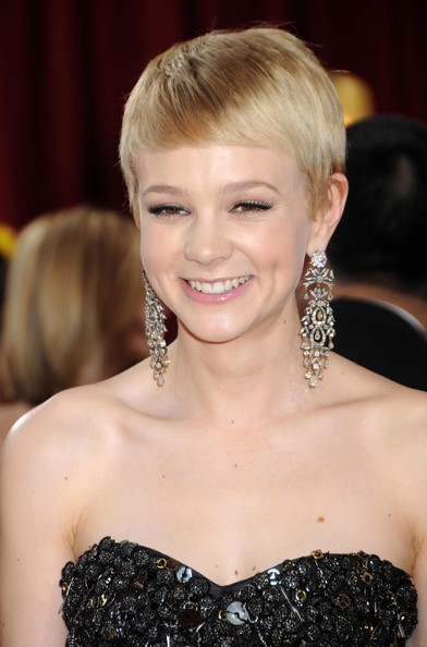Carey-Mulligan-pixie-hairstyle-Academy-Awards