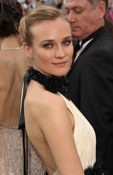 Diane-Kruger-2010-Academy-Awards-updo-hairstyle