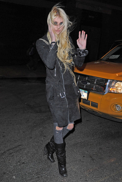 Taylor-momsen-BMI-Industry-insider-How-Produced-Record-Event