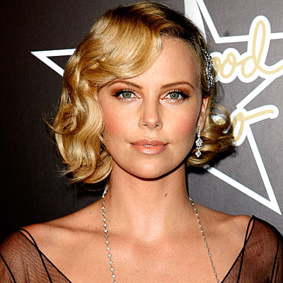 charlize-theron-finger-wave