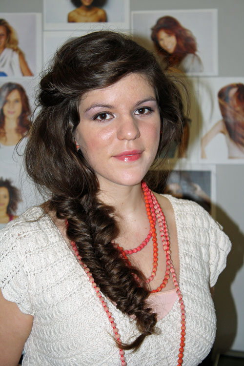side-swept-fishtail-braid
