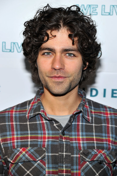 Adrian-Grenier-long-curly-hair