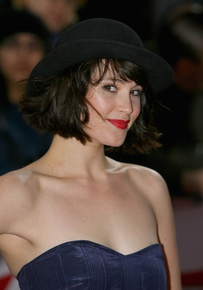Gemma-arterton-bob-hairstyle-hat