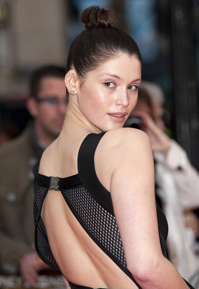 Gemma-arterton-top-knot-updo-clash-of-the-Titans-premiere