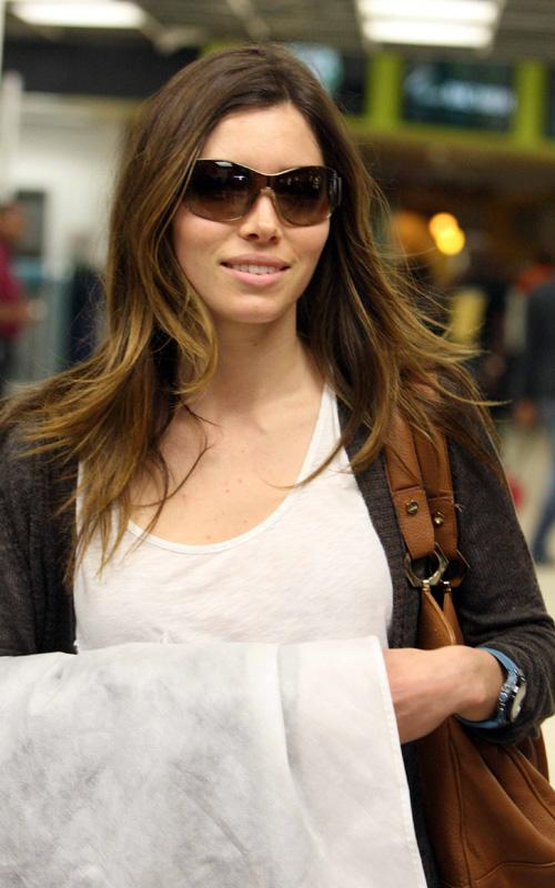 jessica-biel-hairstyle-long-layers-highlights