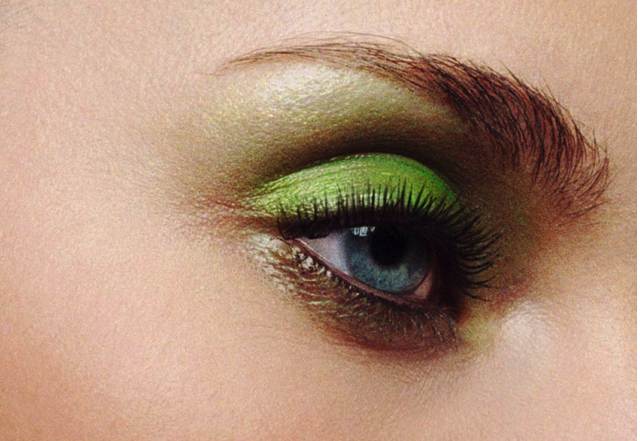 julie-begin-makeup-eyes