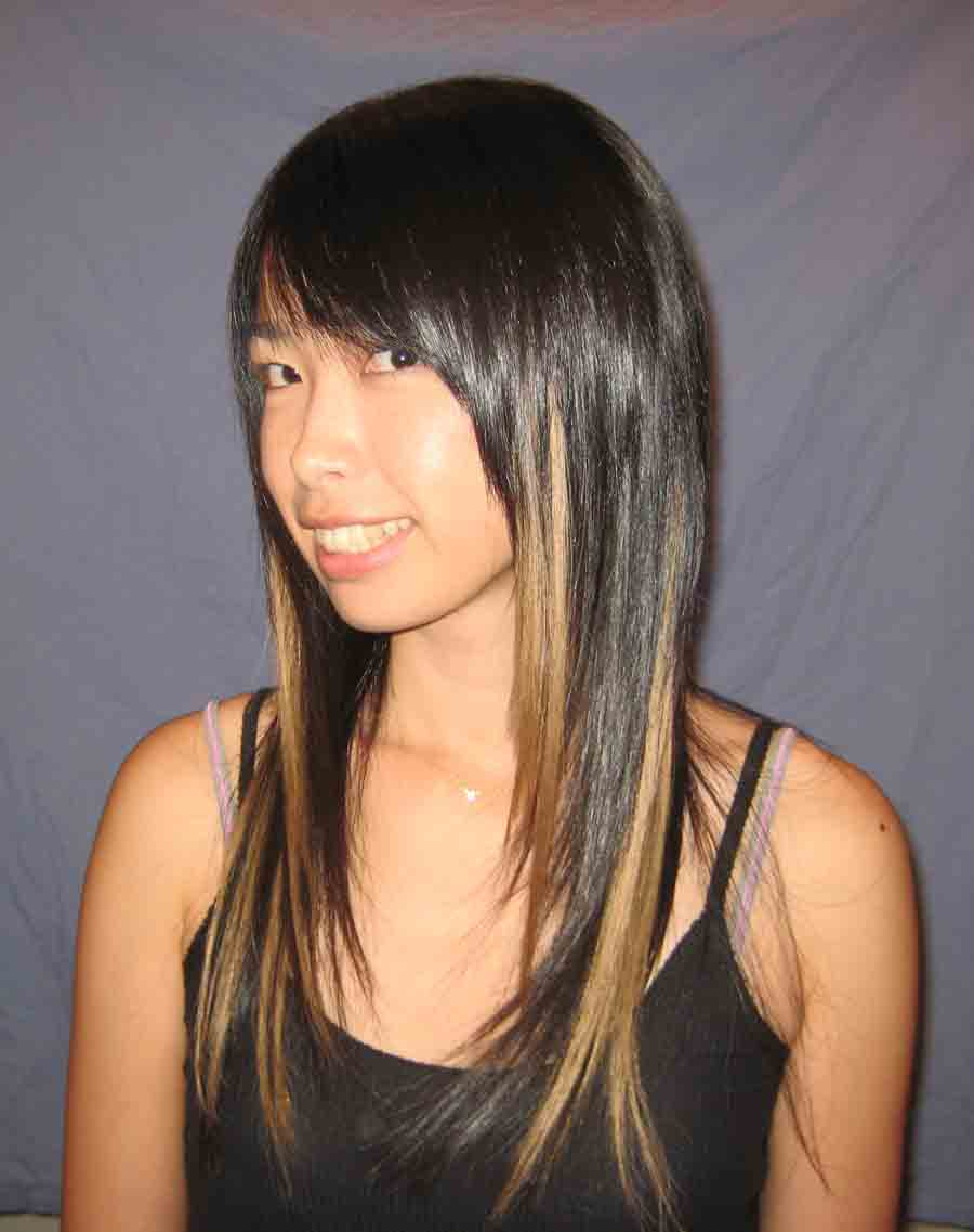 long-extensions-blonde-highlights