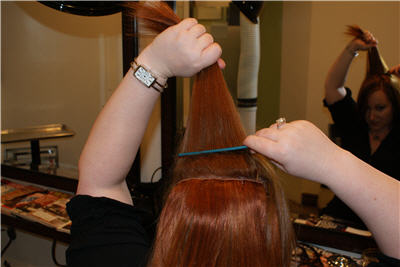 putting-in-clip-in-extensions