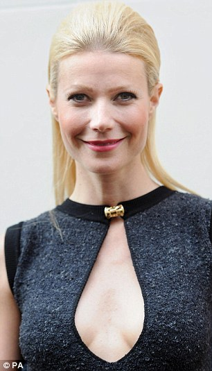 Gwyneth-Paltrow-volumized-sleek-updo-Louis-Vuitton-Maison-store
