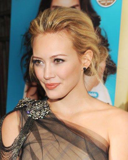 Hilary duff wedding hair hilary duff chignon volume junglespirit Images