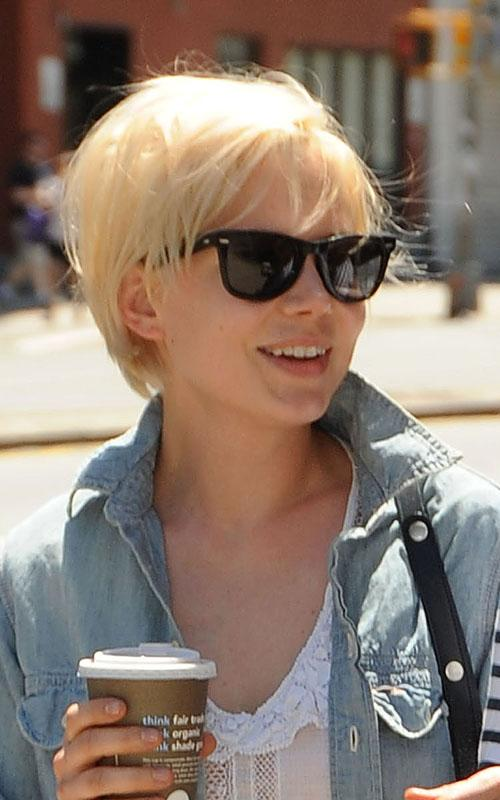 Michelle-Williams-short-platinum-blonde-hairstyle