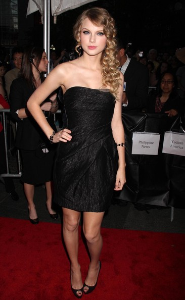 Taylor-Swift-Time-100-Most-Influential-People-World-Gala