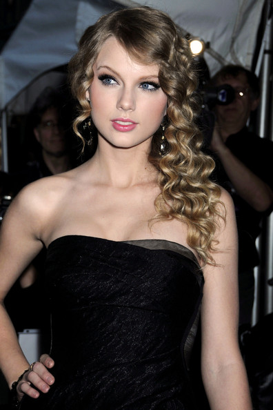 taylor swift people. Taylor-Swift-Time-100-Most-